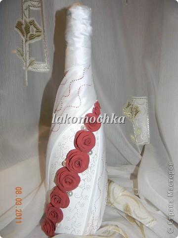 Вот такая получилась бутылочка.Заказали,чтоб присутствовала сирень...Спасибо Ксюша25 за идею оформления органзой... фото 2