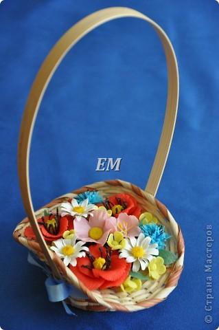 Ну наконец-то собрались мои полевые цветочки в одну корзину. Иногда не могу сразу увидеть какой должна быть в итоге композиция - приходится ждать вдохновения) На этот раз -оно пришлось на 8 марта) фото 3