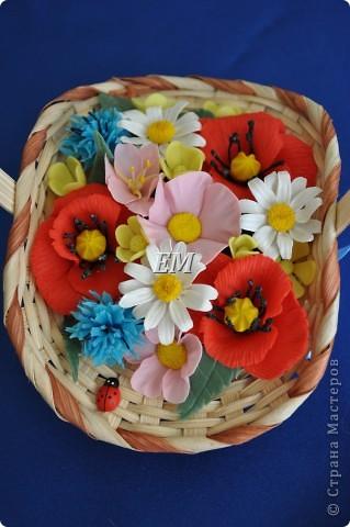 Ну наконец-то собрались мои полевые цветочки в одну корзину. Иногда не могу сразу увидеть какой должна быть в итоге композиция - приходится ждать вдохновения) На этот раз -оно пришлось на 8 марта) фото 4