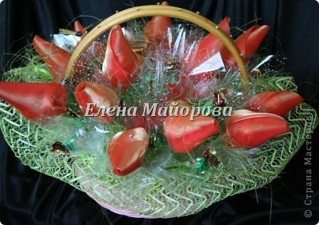 Букеты из конфет к 8 марта фото 4