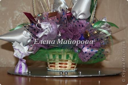 Букеты из конфет к 8 марта фото 17