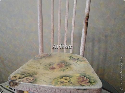 Было у меня два вот таких стула... Так стулья не плохие, крепкие, только верх ужасный стал от времени давности. фото 3