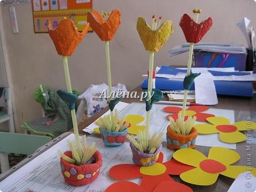 Вот такие цветочки в горшочках мы с детками 3-4-х лет вырастили в подарок любимым мамочкам. фото 3