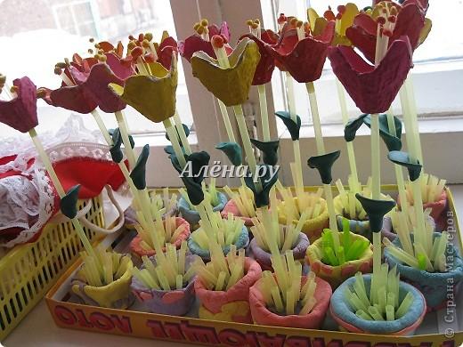 Вот такие цветочки в горшочках мы с детками 3-4-х лет вырастили в подарок любимым мамочкам. фото 4
