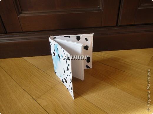 Этот блокнот был выполнен с помощью МК, находящегося тут: http://stranamasterov.ru/node/163671?c=new_451 Вот какой блокнот получился у меня. (Вид спереди). фото 2