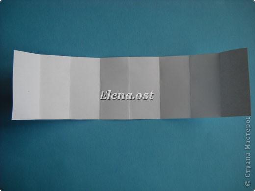 Открытка с элементами оригами и квиллинга. Размер открытки 13х13 см. Материалы: картон, бумага офисная, металлизированная лента, бусины. При копировании статьи, целиком или частично, пожалуйста, указывайте активную ссылку на источник! http://stranamasterov.ru/user/9321 http://stranamasterov.ru/node/169306 фото 19