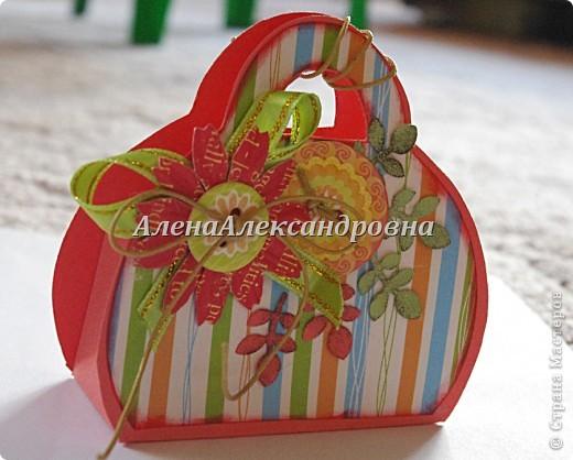 Внутрь можно положить маленький подарок или тег с пожеланиями фото 3