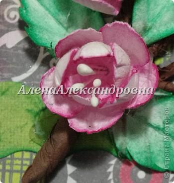Сегодня придумалась мне такая открыточка.Цветы вишни и листочки самодельные.Для веточки использовала бумагу для пастели, тонировала чернильной подушечкой. фото 4
