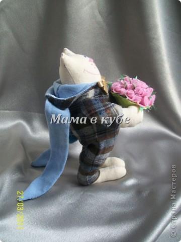 К нам уже пришла весна! И народился вот такой МУРчливый кавалер) Каждый день радует охапкой свежих роз! фото 6