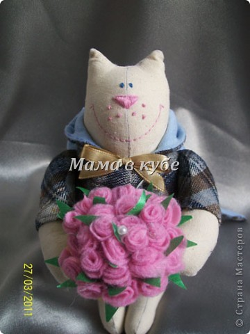 К нам уже пришла весна! И народился вот такой МУРчливый кавалер) Каждый день радует охапкой свежих роз! фото 1