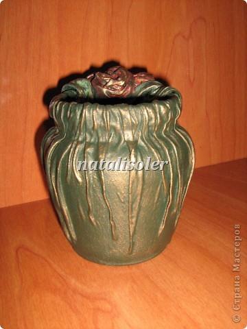 """Эта вазочка выполнена из носового платка, баночки из-под варенья. Использованы акриловые краски, антигвинг, клей. Техника """"застывшая ткань"""" фото 3"""