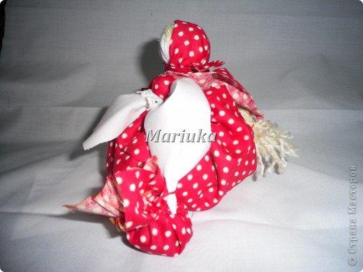 Это моя первая кукла-закрутка.Спасибо Галюше за подробный МК.Источник: http://stranamasterov.ru/node/83725 фото 2