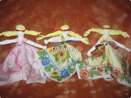 Куклы - мотанки из салфеток фото 7