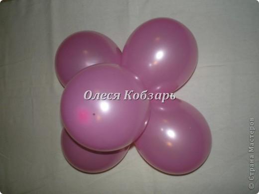 """Сам цветочек. Для него понадобится 5 шаров размером 12"""" и 6 шаров размером 5"""".  фото 4"""