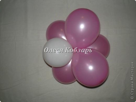 """Сам цветочек. Для него понадобится 5 шаров размером 12"""" и 6 шаров размером 5"""".  фото 5"""