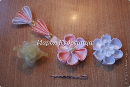 Цветочки в прически на заколки и шпильки. фото 1