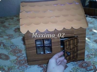 вот такой домик построили с помощником) фото 2