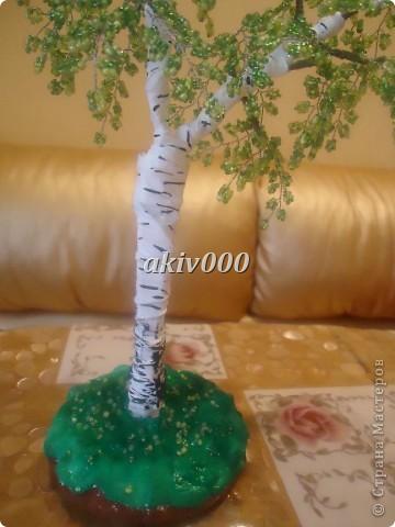 Мое первое деревце из бисера (надеюсь не последнее). Очень понравилось плести. фото 5