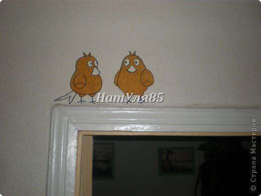 кухня,обои под покраску,по швам потолочный  багет,перекрашено водоэмульсионной краской с добавлением пегмента фото 11