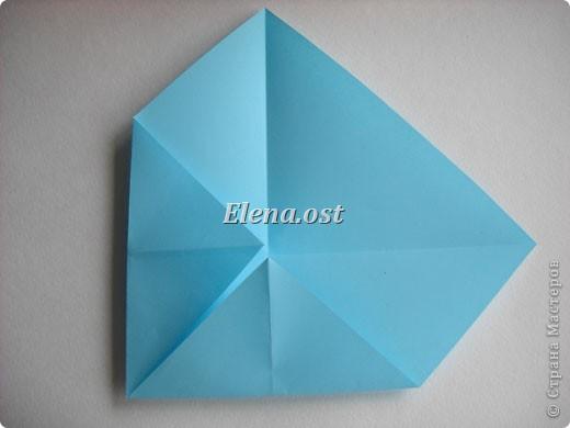 При копировании статьи, целиком или частично, пожалуйста, указывайте активную ссылку на источник! http://stranamasterov.ru/node/180034 http://stranamasterov.ru/user/9321  Бонбоньерка - сумочка для сладкого подарка. Можно использовать и для пасхального сувенира. Из квадрата 35х35 см получается сумочка размером 7Х7Х7 см. Из квадрата 21х21 см - 5х5х5 см. фото 4
