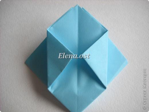 При копировании статьи, целиком или частично, пожалуйста, указывайте активную ссылку на источник! http://stranamasterov.ru/node/180034 http://stranamasterov.ru/user/9321  Бонбоньерка - сумочка для сладкого подарка. Можно использовать и для пасхального сувенира. Из квадрата 35х35 см получается сумочка размером 7Х7Х7 см. Из квадрата 21х21 см - 5х5х5 см. фото 10