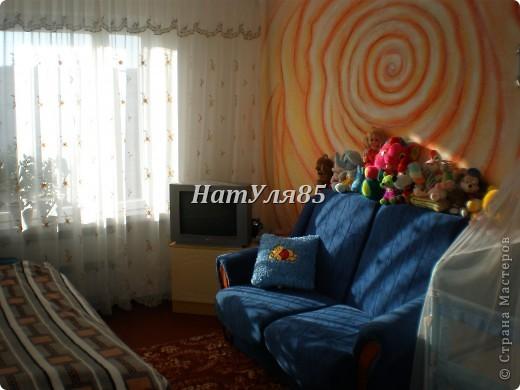 кухня,обои под покраску,по швам потолочный  багет,перекрашено водоэмульсионной краской с добавлением пегмента фото 10