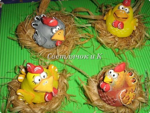 Слепить куриц можно на основе комочка-овальчика из фольги. фото 1