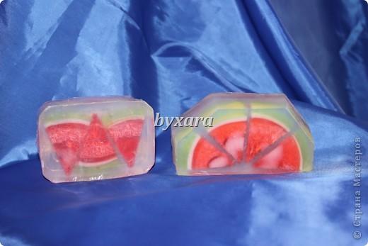 Мыло из основы с добавлением кусочков люфы фото 2
