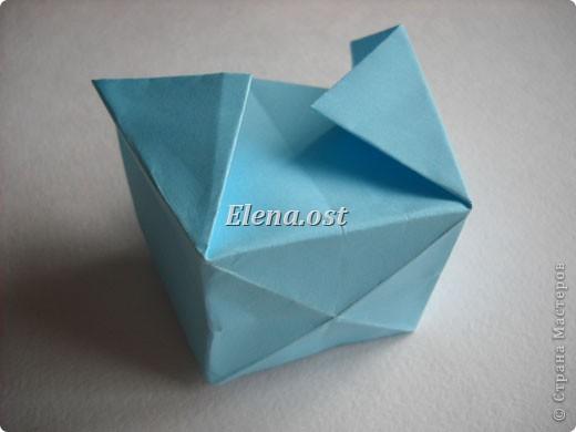 При копировании статьи, целиком или частично, пожалуйста, указывайте активную ссылку на источник! http://stranamasterov.ru/node/180034 http://stranamasterov.ru/user/9321  Бонбоньерка - сумочка для сладкого подарка. Можно использовать и для пасхального сувенира. Из квадрата 35х35 см получается сумочка размером 7Х7Х7 см. Из квадрата 21х21 см - 5х5х5 см. фото 12