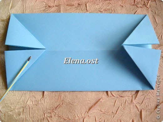 Сумочка-оригами для сладостей. Приятно дарить подарок в маленькой сумочке-бонбоньерке. Я сделала сумочку с сердцем из офисной бумаги. Формат А4. Размер сумочки 5.5Х8 см. При копировании статьи, целиком или частично, пожалуйста, указывайте активную ссылку на источник! http://stranamasterov.ru/user/9321 http://stranamasterov.ru/node/144940 фото 8