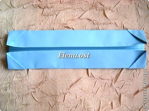 Сумочка-оригами для сладостей. Приятно дарить подарок в маленькой сумочке-бонбоньерке. Я сделала сумочку с сердцем из офисной бумаги. Формат А4. Размер сумочки 5.5Х8 см. При копировании статьи, целиком или частично, пожалуйста, указывайте активную ссылку на источник! http://stranamasterov.ru/user/9321 http://stranamasterov.ru/node/144940 фото 10