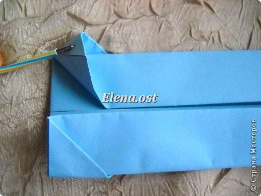 Сумочка-оригами для сладостей. Приятно дарить подарок в маленькой сумочке-бонбоньерке. Я сделала сумочку с сердцем из офисной бумаги. Формат А4. Размер сумочки 5.5Х8 см. При копировании статьи, целиком или частично, пожалуйста, указывайте активную ссылку на источник! http://stranamasterov.ru/user/9321 http://stranamasterov.ru/node/144940 фото 11