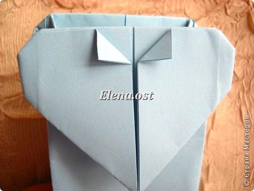 Сумочка-оригами для сладостей. Приятно дарить подарок в маленькой сумочке-бонбоньерке. Я сделала сумочку с сердцем из офисной бумаги. Формат А4. Размер сумочки 5.5Х8 см. При копировании статьи, целиком или частично, пожалуйста, указывайте активную ссылку на источник! http://stranamasterov.ru/user/9321 http://stranamasterov.ru/node/144940 фото 25