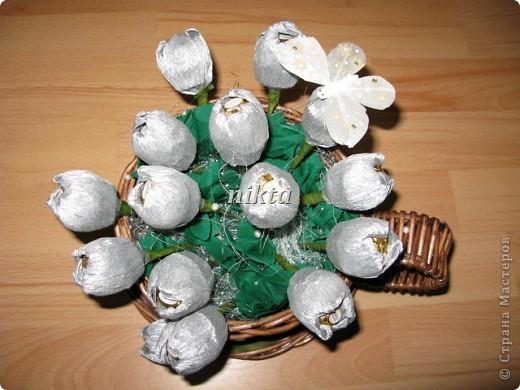 Вот такой букет из тюльпанов в плетеной корзинке-чашке получился. фото 4