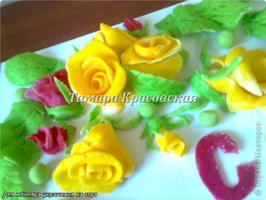 Сладкие украшения из сахарной мастики. Мастику делала и с маршмелоу. фото 4