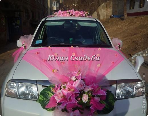 Оформление свадебной машины.