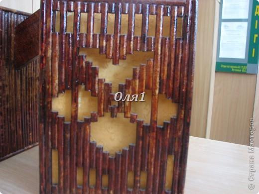 """Светильник """"Игрок"""".Сделан из бумаги, но скручивание палочек отличается от газетного. Палочки после скручивания получаются твердыми и прочными. фото 4"""