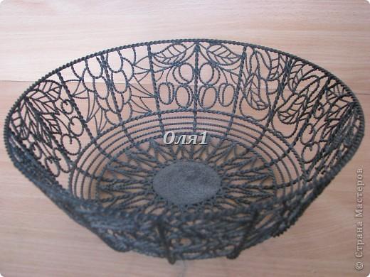 Фруктовница сделана из железной проволоки. Все детали между собой спаиваются паяльником. фото 4