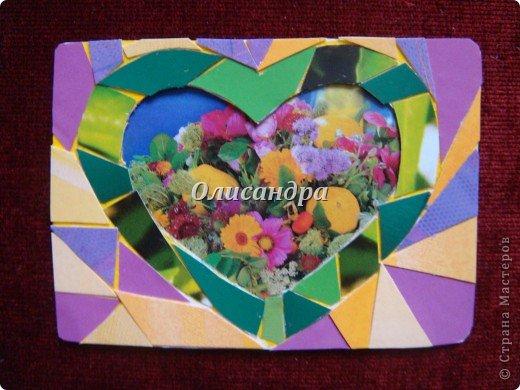 """Очень люблю мозайку, и , даже, пробовала свои силы, украшая коробочки...   http://stranamasterov.ru/blog/34319/438 Подумала, а почему бы также не сделать АТС?  Слоган """"Зеленое сердце природы"""" уже давно вертелся в голове, правда, """"подходящей природы"""" я не нашла... Но,ведь, цветы- тоже частичка природы. Поэтому они заняли почетное место в """"зеленом сердце""""... Хочется, чтобы все серии ,как-то, отличались друг от друга...Хотя, понимаю, что опять получился примитивизм... Мозайка сделана из открыток, цветочный фон, находящийся внутри сердца ,слегка """"утоплен""""... Зазоры между частицами мозайки делала намеренно...Мне хотелось, чтобы были видны желтые прожилки... ******************************************** По-прежнему, пытаюсь отдать долги...  Мои милые """"кредиторы""""! Я не буду Вас называть... Потому что не уверена, что эта серия всем придется по душе... Буду делать до тех пор, пока Вам что-нибудь не понравится ... и ,пока, я не рассчитаюсь со всеми долгами...Торжественно обещаю...! А если понравится...выбирайте...буду рада! фото 2"""