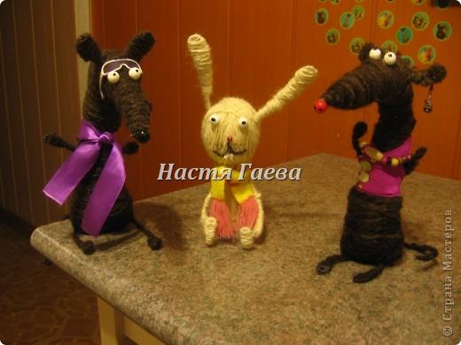 Это мои крыски и кролик)))Сначало у них головы отваливались но пришлось им в шеи палки вставлять))))