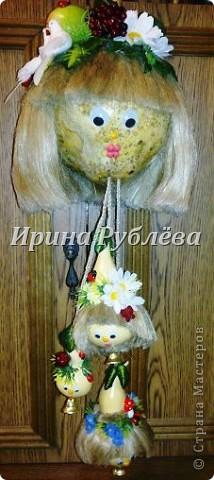 Муженёк да жёнушка. Эти сувениры-обреги  делаются из бутылочной тыквы Лагенарии. Это достаточно большие плоды, размером 35-50см. фото 29