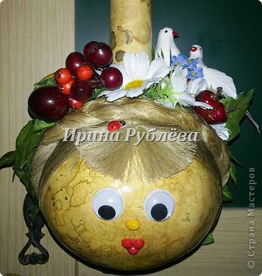 Муженёк да жёнушка. Эти сувениры-обреги  делаются из бутылочной тыквы Лагенарии. Это достаточно большие плоды, размером 35-50см. фото 17