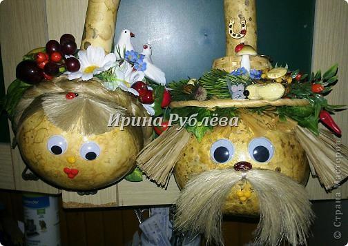 Муженёк да жёнушка. Эти сувениры-обреги  делаются из бутылочной тыквы Лагенарии. Это достаточно большие плоды, размером 35-50см. фото 25