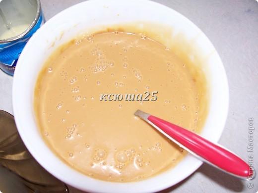 Ингредиенты : тесто: маргарин 200г ,сметана 200г ,сгущ молоко 50-100г,сахар 200г,сода 1ч л гасим.Все смешать,замесить песочное тесто ,разделить на шарики и заморозить.Затем натереть на терке ,выложить не тонким слоем на противень и испечь. Орехи для начинки 100-200г  фото 3