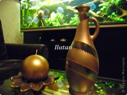 Захотелось просто вазочку в цвете золота. Бутылек, малярный скотч, краска-спрей, контур золото..... и вуа ля!! фото 2