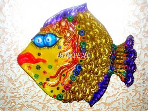 Это моя первая рыбка - повторюшка, ее автор Ирина МАтвеева. Делала я ее из полимерной глины, потом долго раскрашивала и расписывала. Очень трудоемкая работа. фото 4