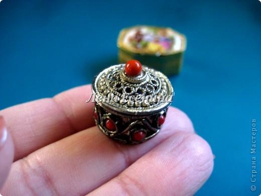 Я собираю шкатулки...  Начало коллекции смотрите здесь:  http://stranamasterov.ru/node/194403 Эта на фото - самая крошечная из всех. Такая милашка! :) Индия фото 1