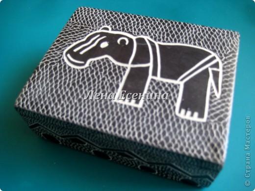 Я собираю шкатулки...  Начало коллекции смотрите здесь:  http://stranamasterov.ru/node/194403 Эта на фото - самая крошечная из всех. Такая милашка! :) Индия фото 6