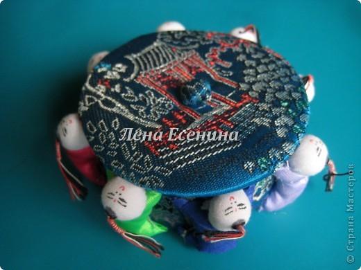 Я собираю шкатулки...  Начало коллекции смотрите здесь:  http://stranamasterov.ru/node/194403 Эта на фото - самая крошечная из всех. Такая милашка! :) Индия фото 31