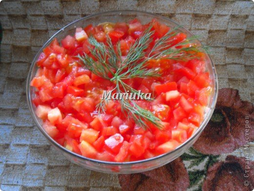 Моя мамуля сделала нам с братом на день рождения вот такой вкусный и оригинальный салатик))) фото 1